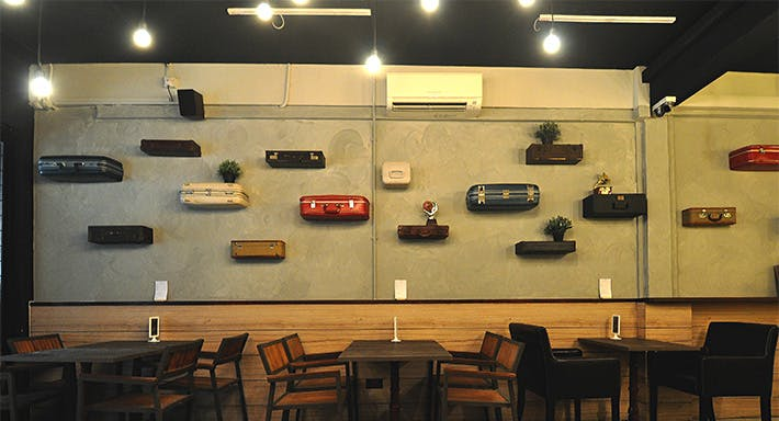 Den Bar & Kitchen Singapore image 5