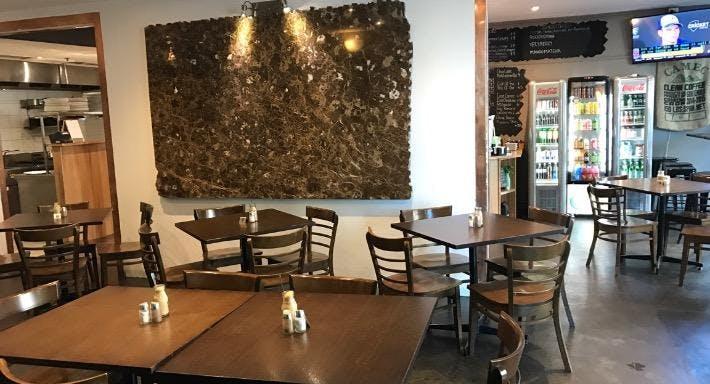 Saporito Cafe Bar & Grill Melbourne image 3