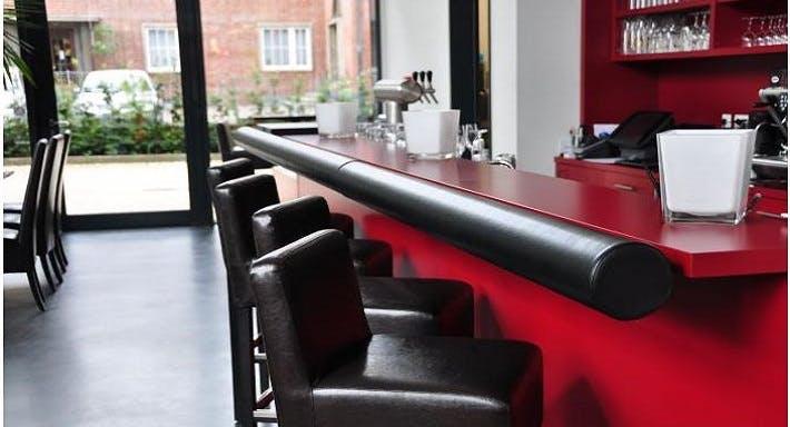 Helms Lounge Hamburg image 14