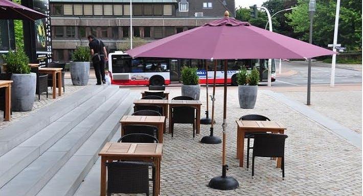 Helms Lounge Hamburg image 11