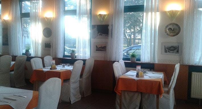 Leonidas Restaurant