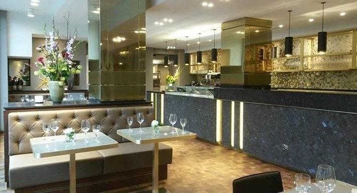 1687 Restaurant & Cafe