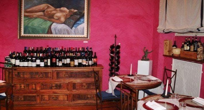 Ombre Rosse Parma image 1