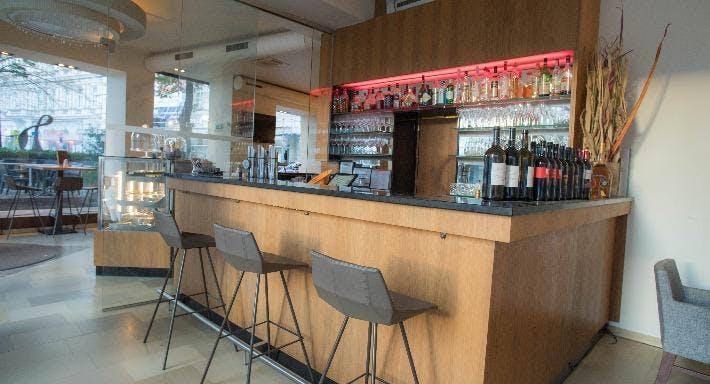Nuss Cafe Bar Wien image 2