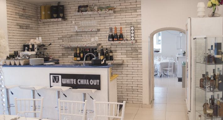 White Chill Out Via Napoli Napoli image 11