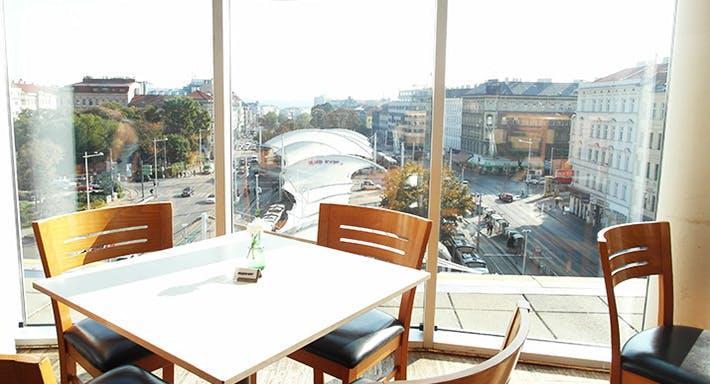 Oben Wien image 3