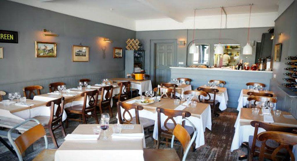 Season Kitchen Dining Room In London Stroud Green Book