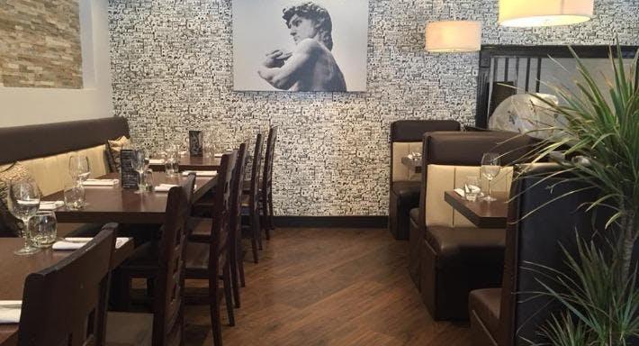 Pradas Mediterranean Bar & Grill