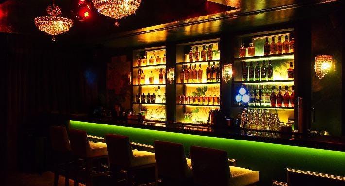 Sum Yi Tai - Mona Lounge Singapore image 3