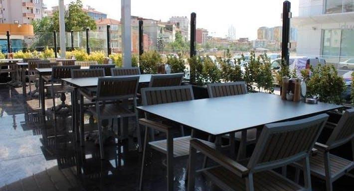 Emirşeyh Köfte & Baklava İstanbul image 3