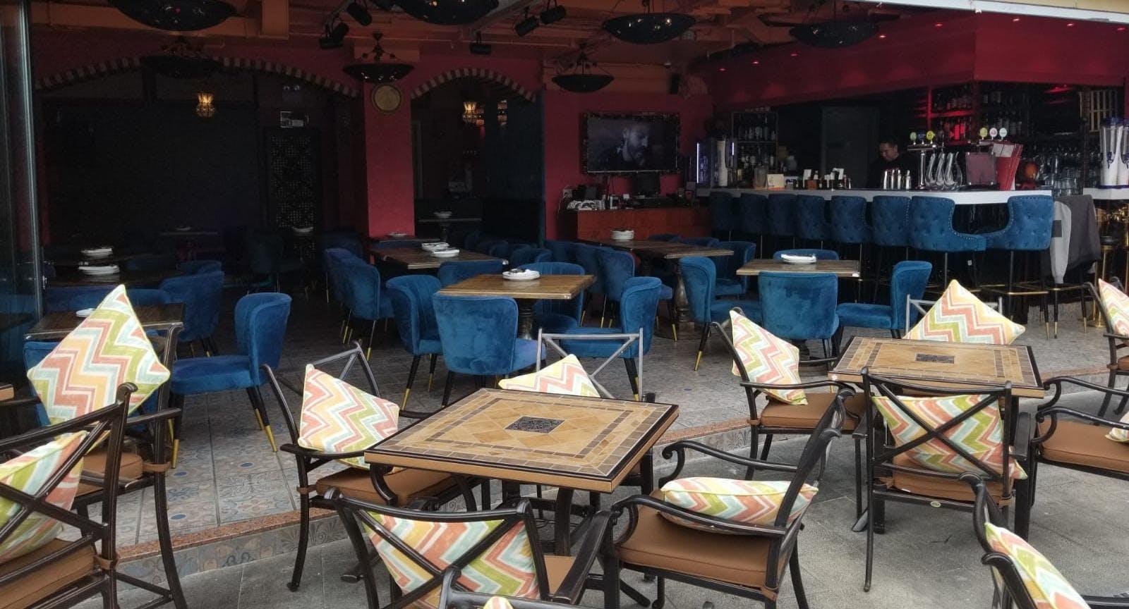 SeaRock Lounge