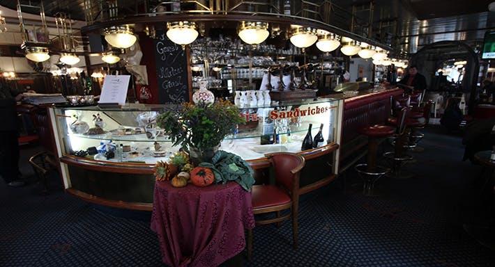 Café Siebenbrunnen Wien image 2