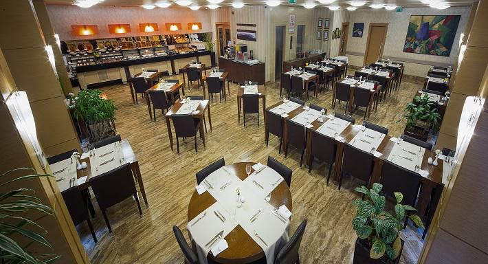 Midtown Hotel More Restaurant