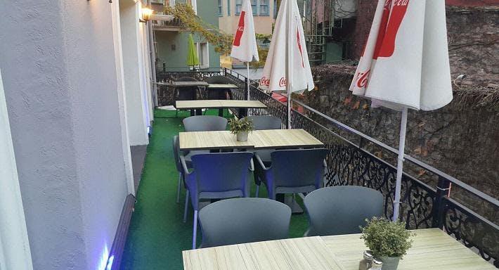 The Borny's Cafe