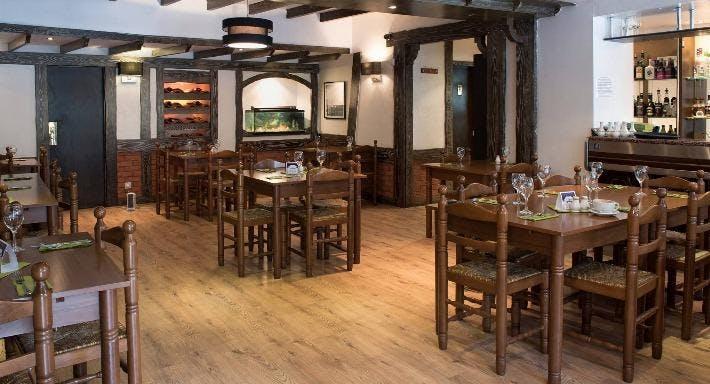 St Andrews Restaurant Edinburgh image 3