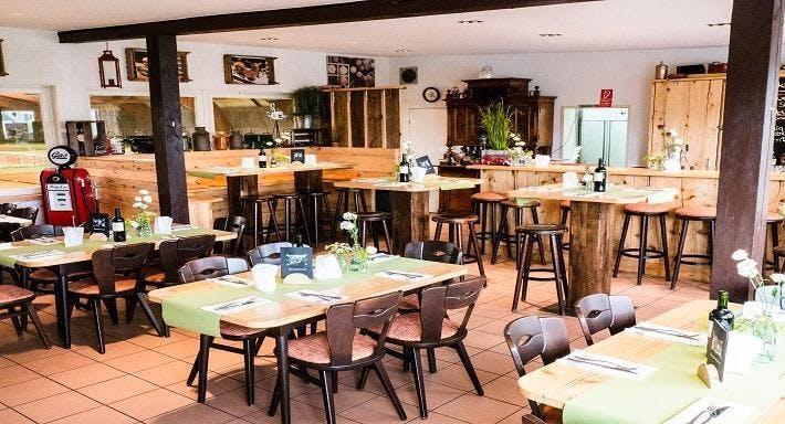 Raph's BBQ Family Diner