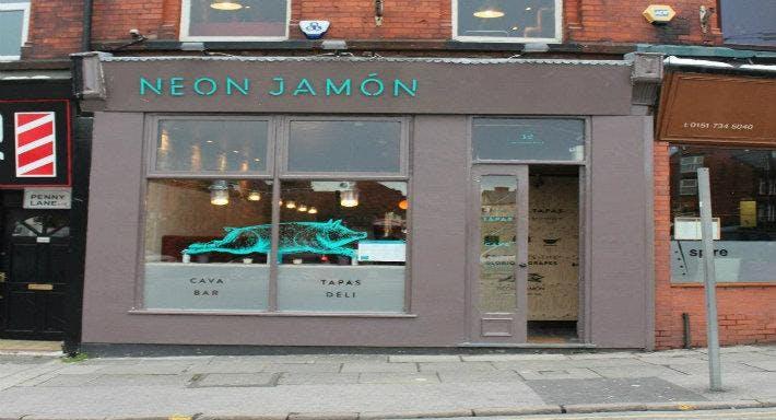 Neon Jamon - Berry Street