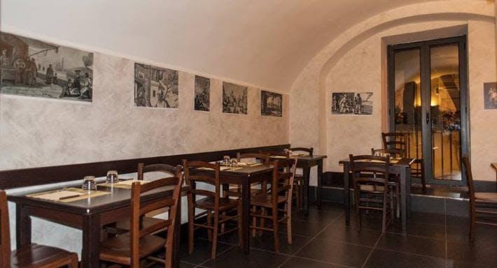 La Taverna A Santa Chiara Napoli image 2