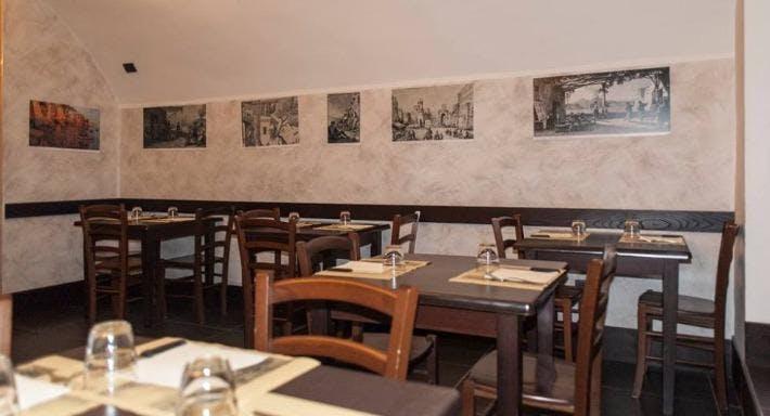 La Taverna A Santa Chiara Napoli image 3