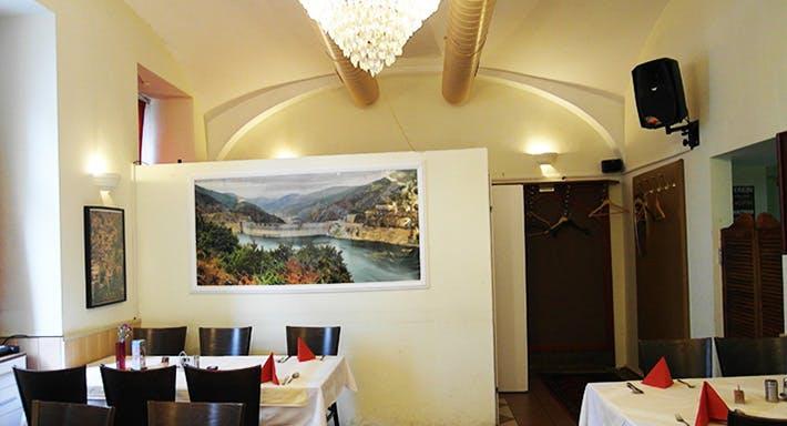 Caspian Café Restaurant Wien image 4