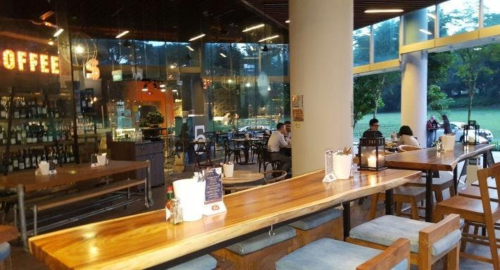 Bodacious Bar & Bistro Singapore image 2