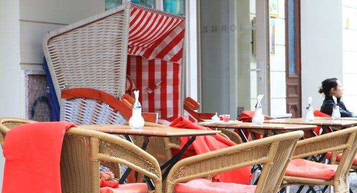 Café Knorke Berlin image 3