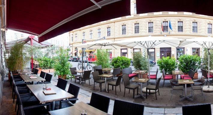 Schesch Besch Café Restaurant & Shisha Lounge