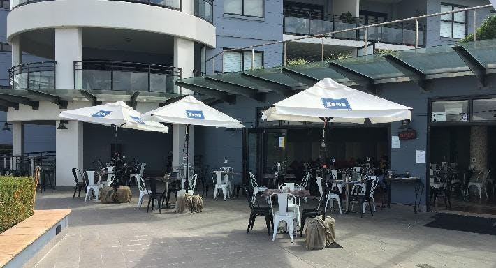 MedRock - Bar & Grill