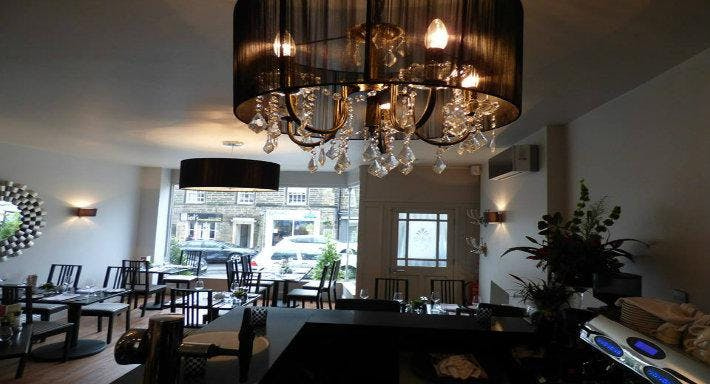Quinta Bar and Grill Leeds image 2