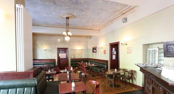Goldberg Bar-Café