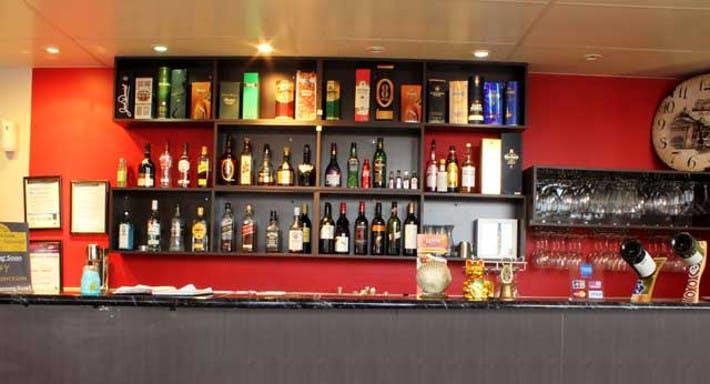 Glassy Junction Cafe Bar & Restaurant
