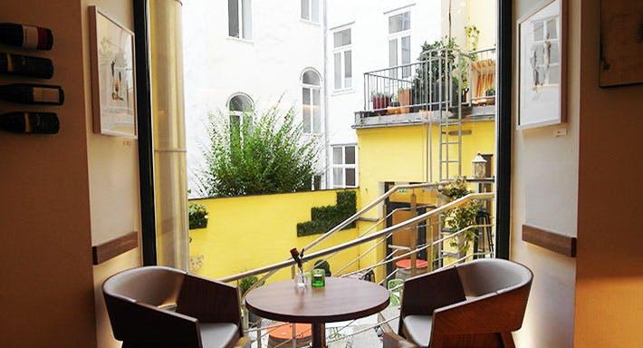 Hotel Rathaus Wine & Design Wien image 2