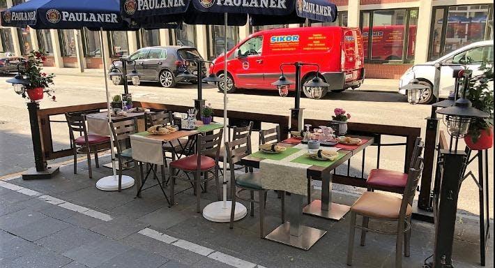 MaXimA Bistro & Restaurant Köln image 2