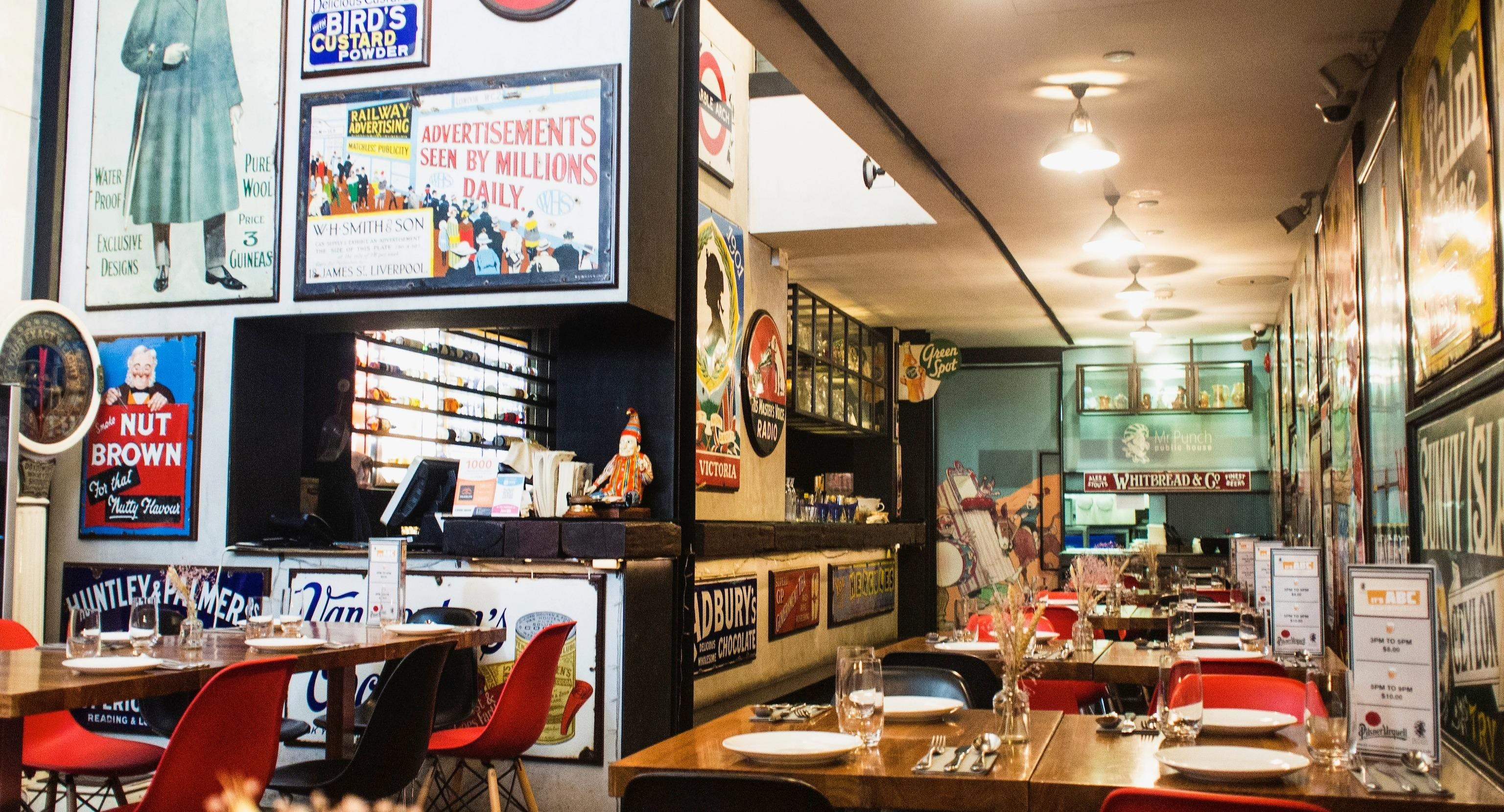 See pictures of Mr Punch Public House, Singapore