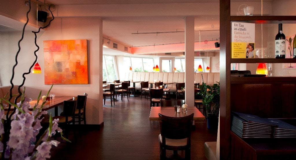Cafe Strauss