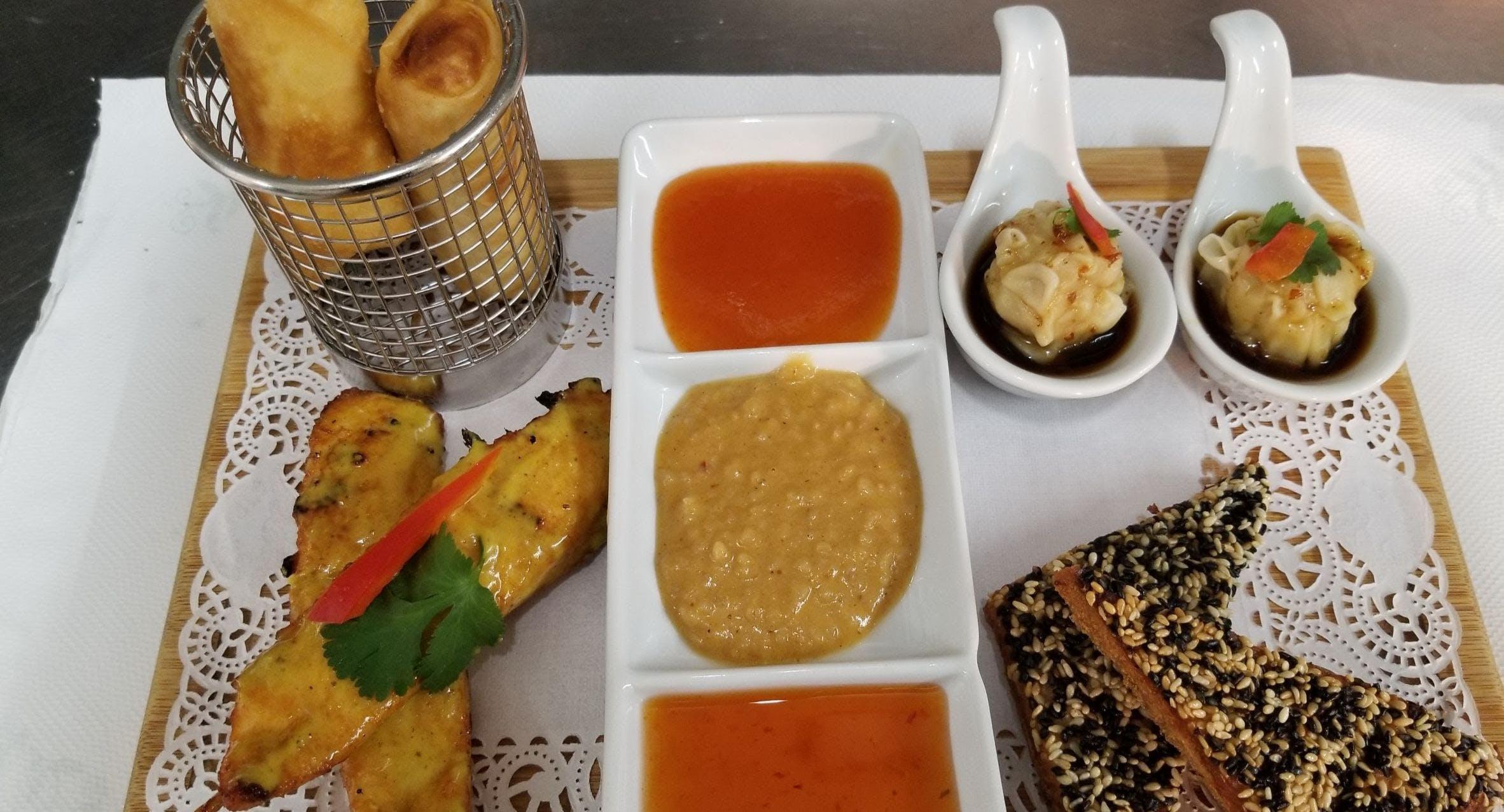 The Local Thai Restaurant Bristol image 3