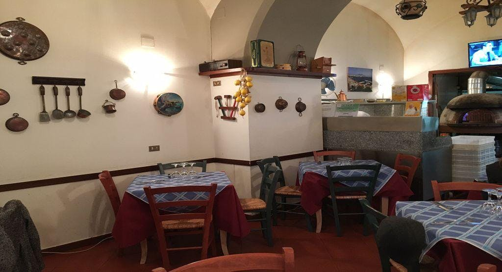 La Piazzetta Chiacchierata Napoli image 1