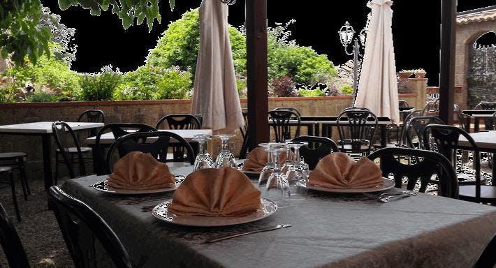 Il borgo da Modesto Caserta image 10