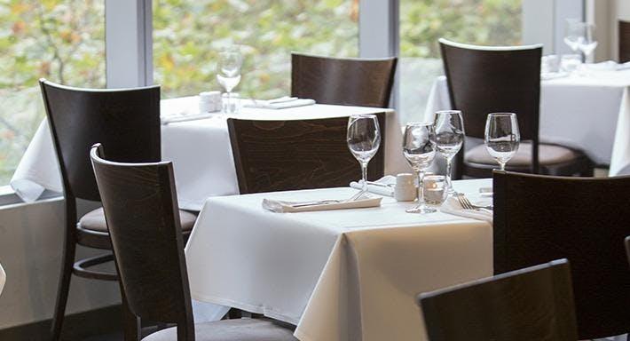 1st Floor Restaurant & Bar