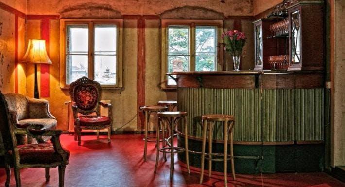 Spiegelsaal in Clärchens Ballhaus Berlin image 3