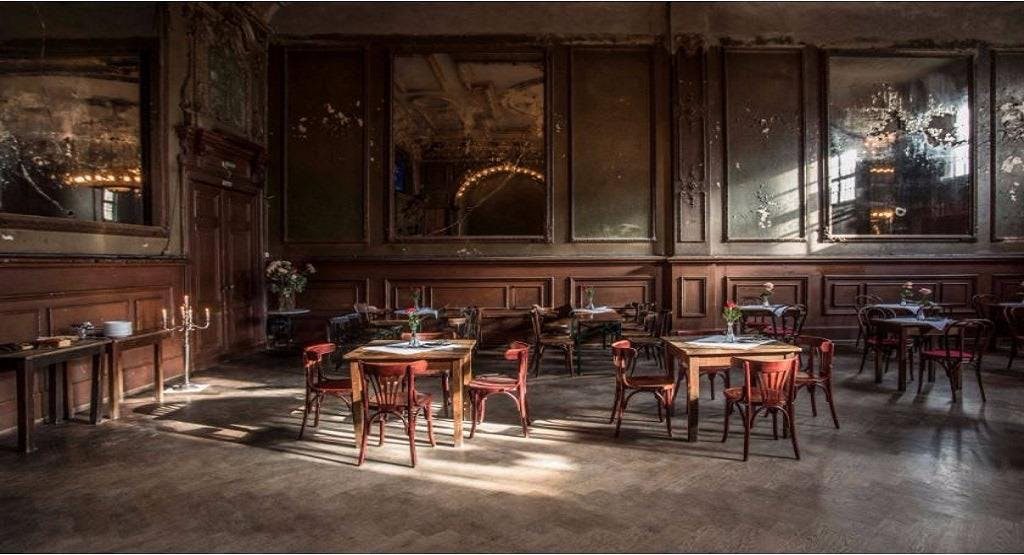 Spiegelsaal in Clärchens Ballhaus Berlin image 1