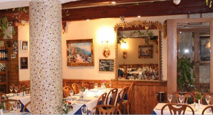 Melanie Italian Restaurant Lontoo image 3