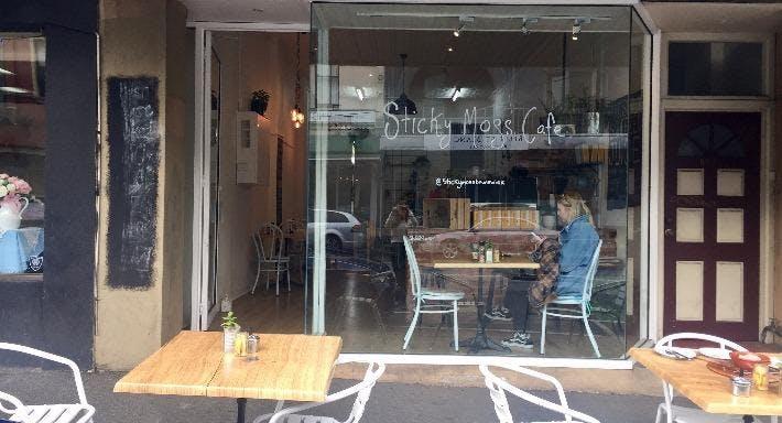 Sticky Moss Cafe