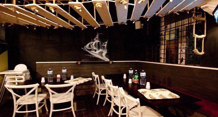 Jolly Roger Pub Napoli image 3