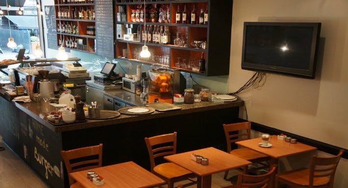 Moment Cafe Bar Restaurant