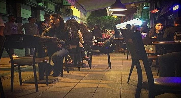 Vos Vos Cafe Bar
