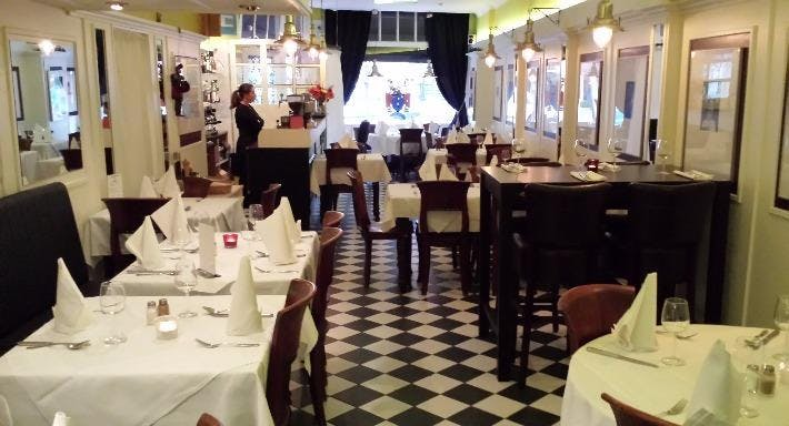 Italian Restaurant Da Enzo Marchese Den Haag image 2