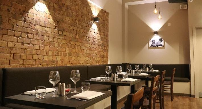 Santi Restaurant Pizzeria - Watford London image 2