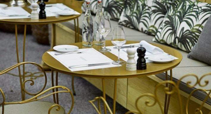 Restaurant & Bar Razzia Zürich image 4