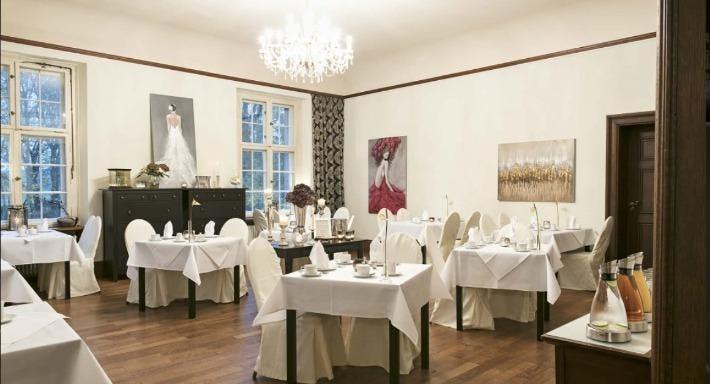 Restaurant Schloss Kartzow Potsdam image 3